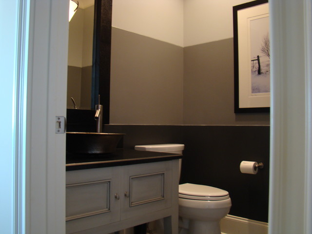 Expansive Bathroom Design With Warm Brown Tones
