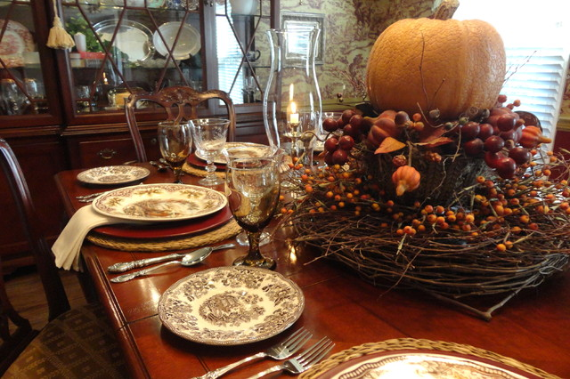 Thanksgiving Table Setting traditional-dining-room