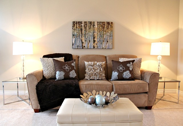 Staged Living Room Contemporary Living Room Toronto