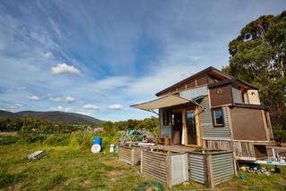 Tres Petite Maison Ou Tiny House De 10m2 A Visiter Chalets En Bois Habitable Livre Monte Et Maison En Bois