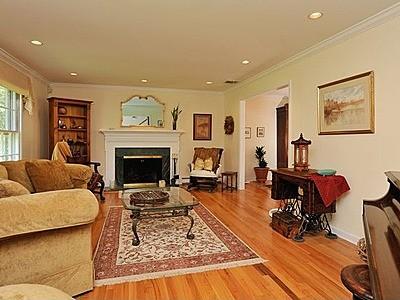 Living Room Layout Decorate Rectangle Placement Rectangular Modular Furniture Positioning
