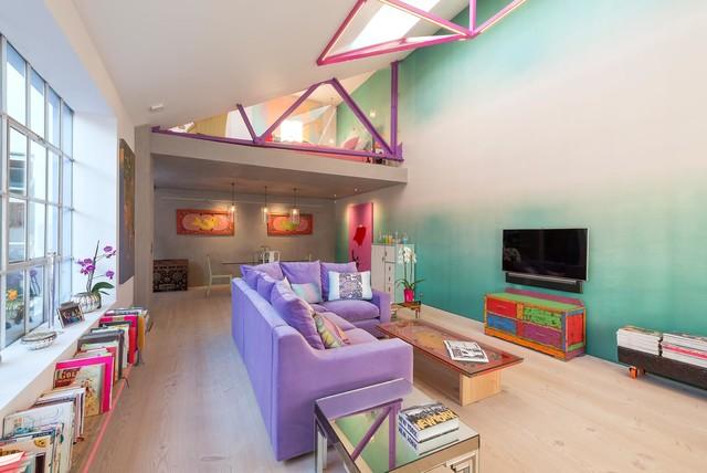 Cleo's Place contemporaneo-soggiorno