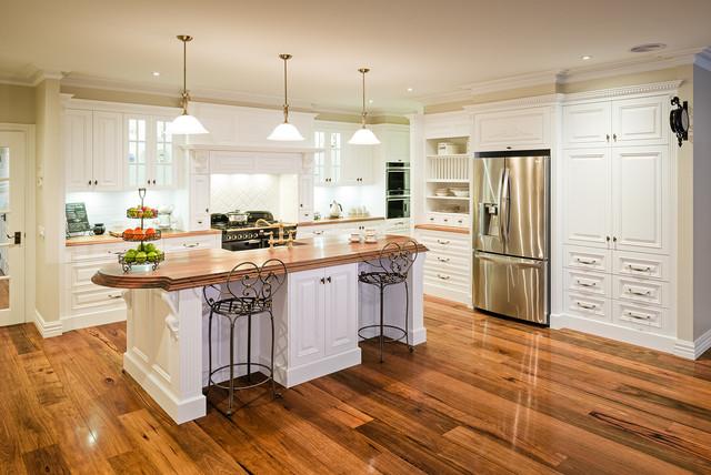 Uplifting Country Style Farmhouse Kitchen Melbourne By Smith Smith Kitchens