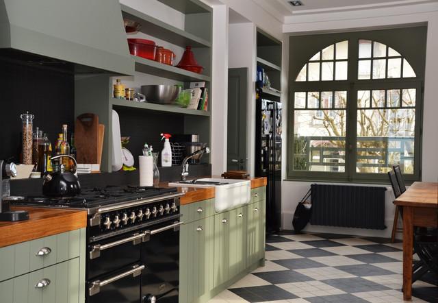 Cuisine Amenagee Sur Mesure Style Anglais Contemporary Le Havre By Menuiserie Resbeut Houzz