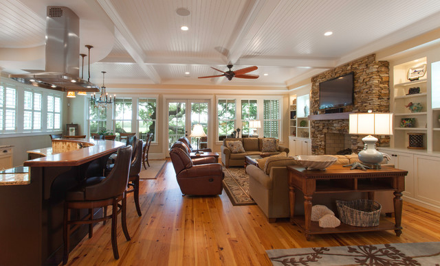 Traditional Island Home Open Floorplan Kitchen And Living