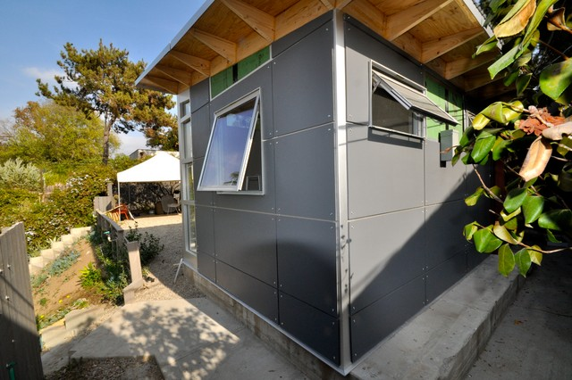 10x12 Office Making Room For Baby Modern Shed Los