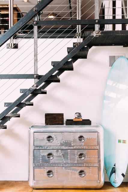 SoMa Surfer Loft インダストリアル-階段