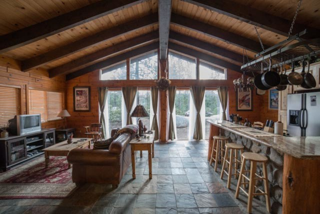 Cozy Lake Tahoe Cabin Great Room Traditional Family