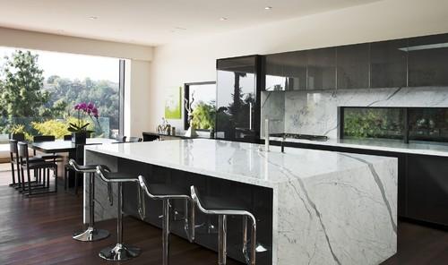 Los Angeles Hills Modern Kitchen