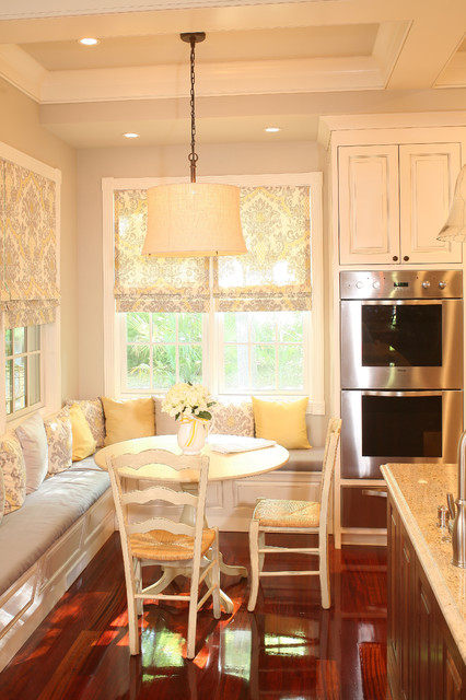 Kitchen Banquet Built In Seating Around Table