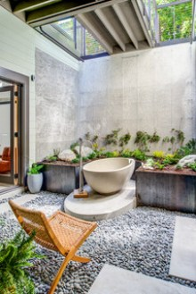 Destination Bathtub - Custom Home Trends