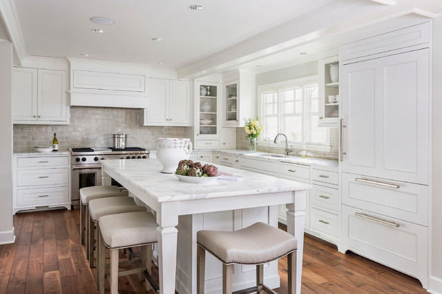 Lake Minnetonka Tailored White Kitchen traditional-kitchen