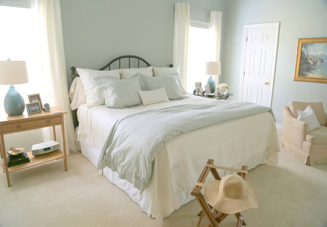 Artist's Home shabby-chic-style-bedroom