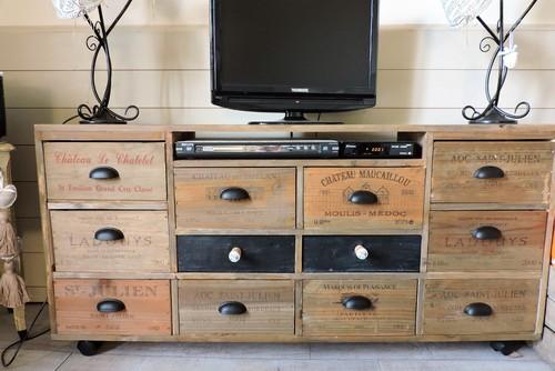 meuble tv fait maison avec casiers de vins