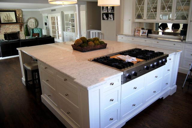 Ice Quartz And Super White Extra Kitchen With Balance Of