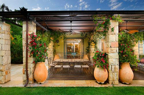 patio design that will hold up in wind