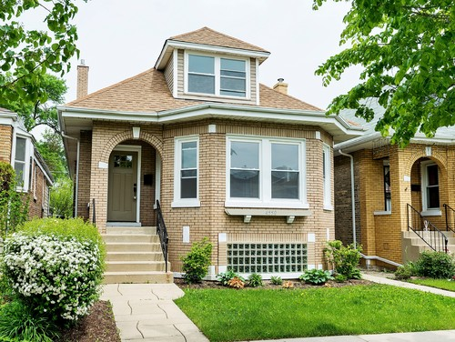 At Look At Us Architectural Styles The American Bungalow