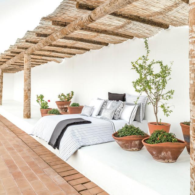 amenager un lit exterieur dans le jardin