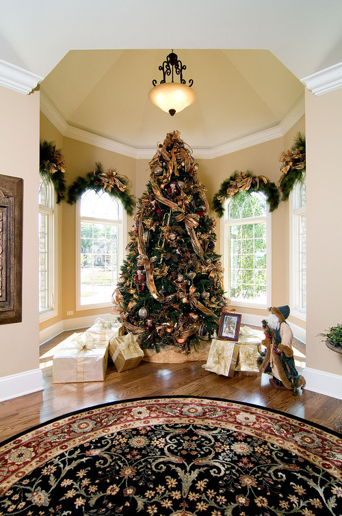 Holiday Traditional Decorations