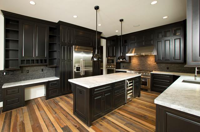 Modern U Shaped Kitchen
