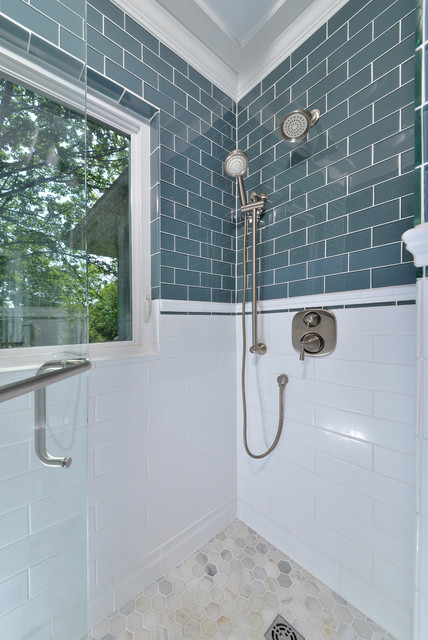 Aaa Classic Bathroom Glass Tile And Zero Thershold In The