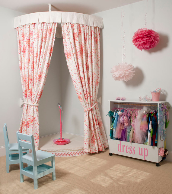 Playroom traditional-kids