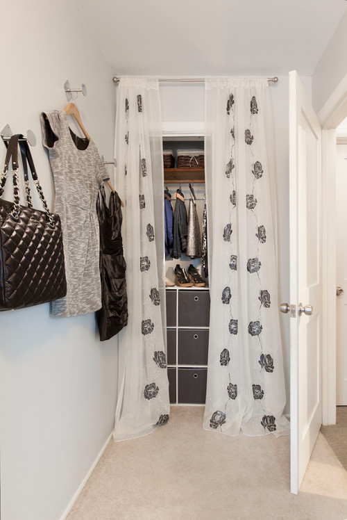 10 Tips For A Small Closet