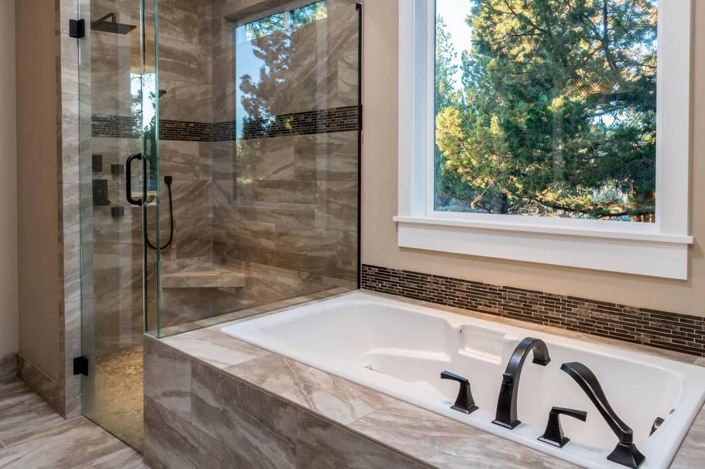 bend oregon craftsman bathroom