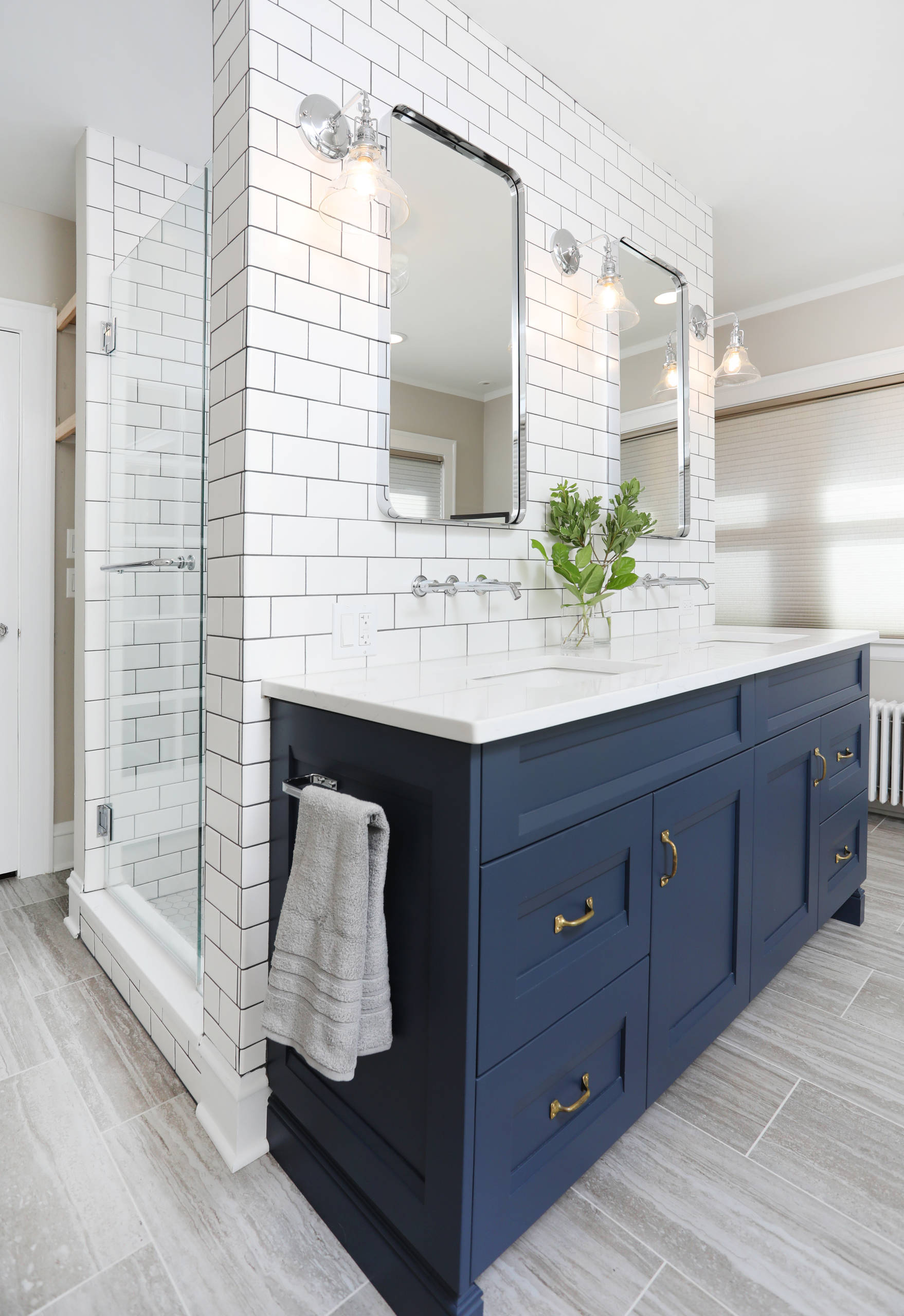 75 Beautiful Bathroom With Blue Cabinets Pictures Ideas December 2020 Houzz
