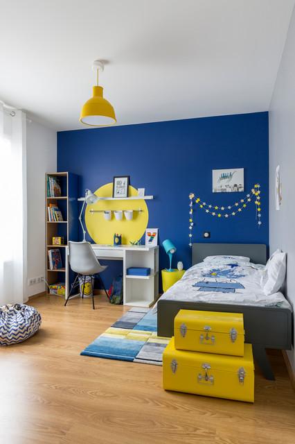 chambre de garcon bleue et jaune