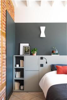 chambre d ado avec un mur gris photos