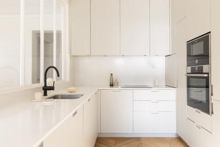 credence de cuisine en carrelage blanc