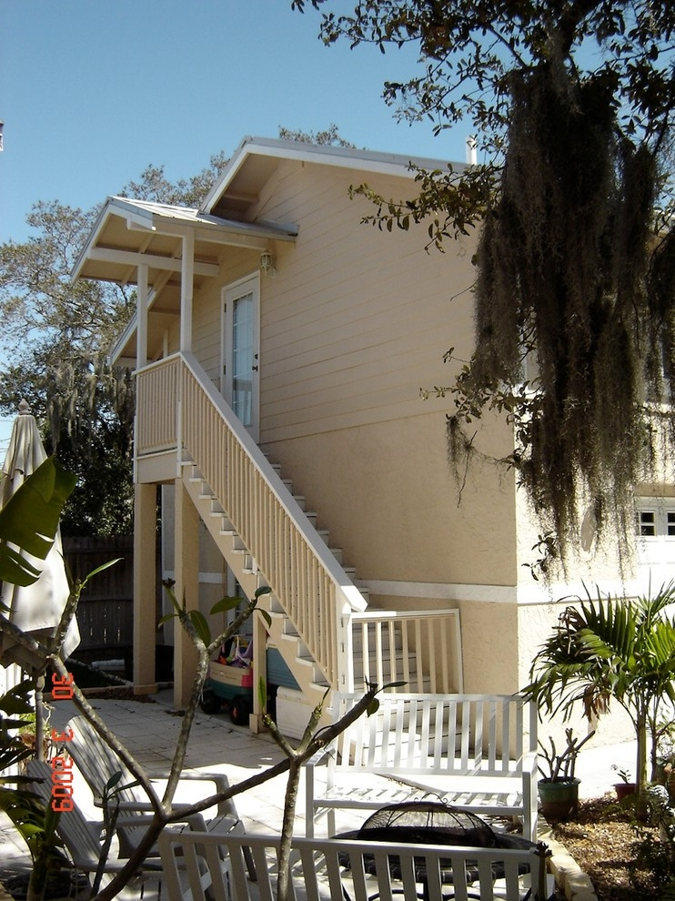 Outside Stairs To Bonus Room Craftsman Garage Tampa By | Staircase Outside House Design | Curved | Modern | Cool | Residential | Up Balcony