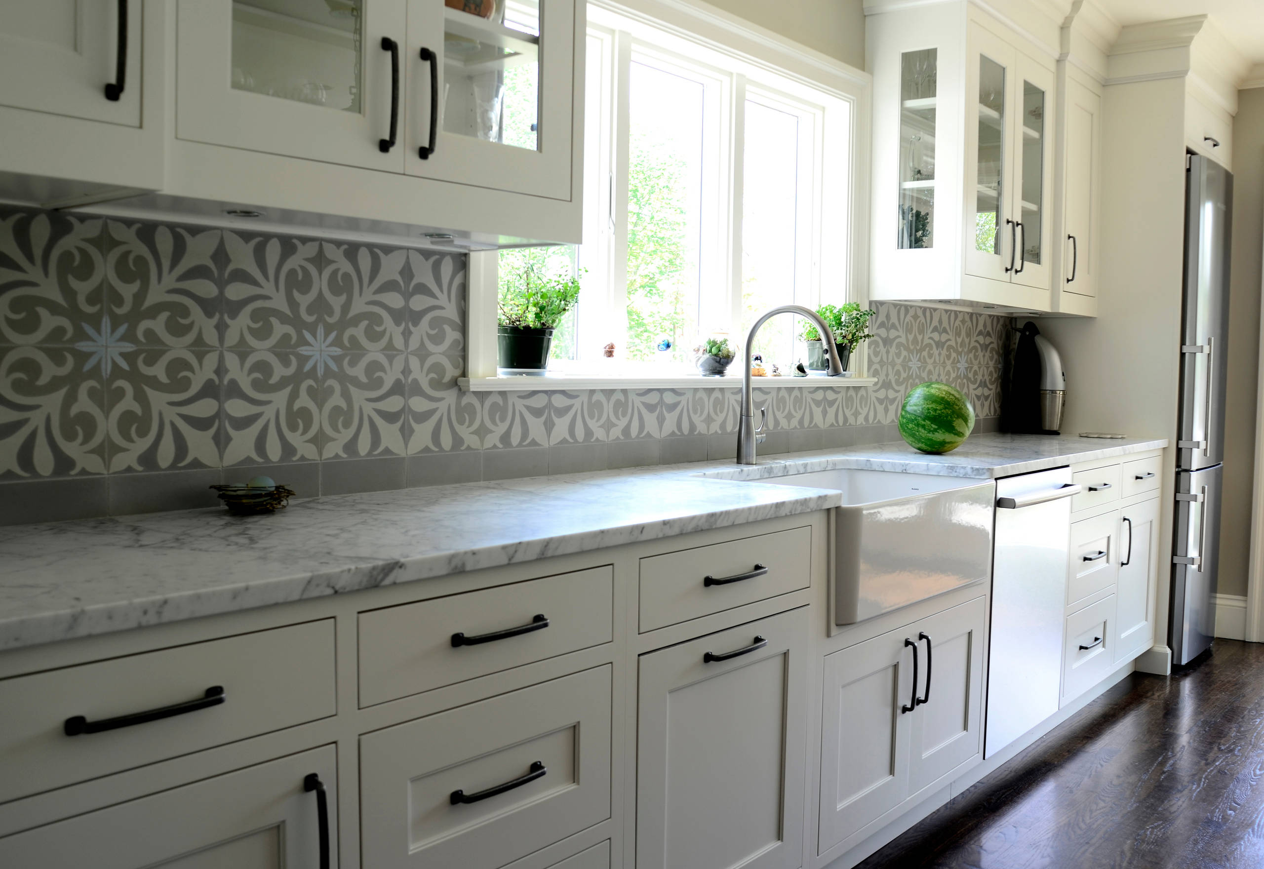 white moroccan tile backsplash houzz