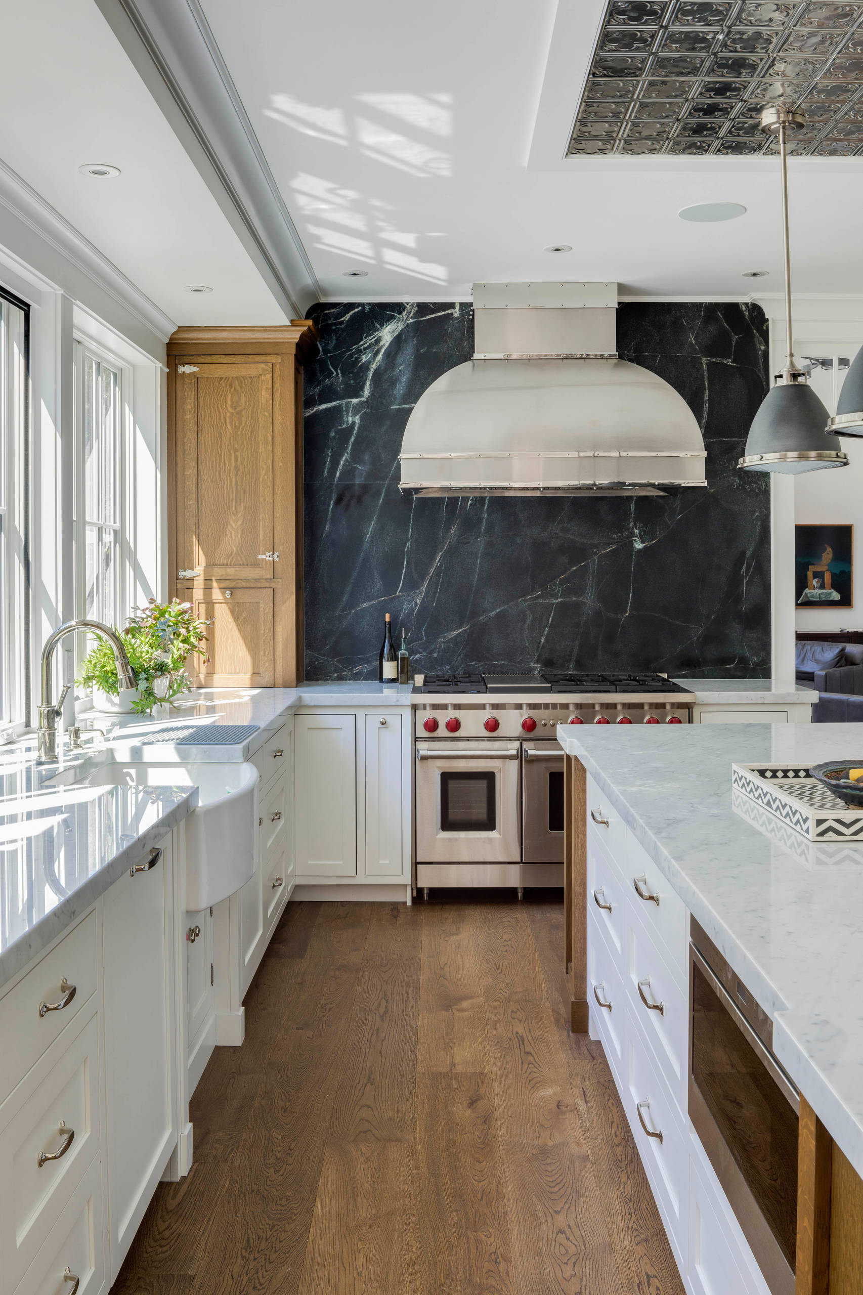 75 Beautiful Kitchen With Black Backsplash Pictures Ideas November 2020 Houzz