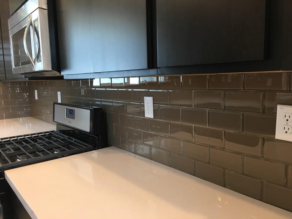 kitchen backsplash brown glass