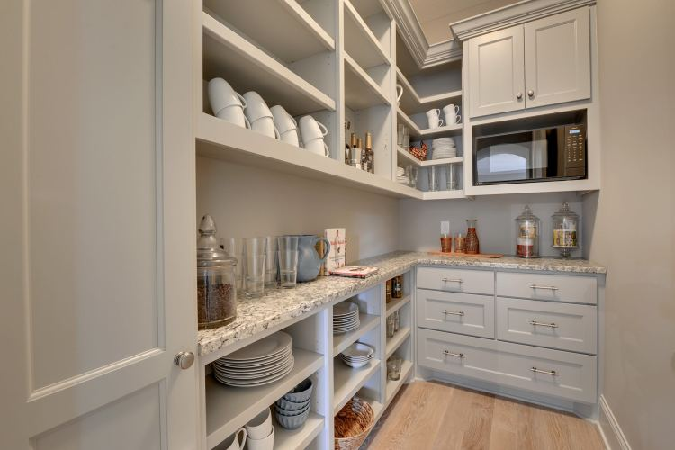 75 Beautiful Transitional Kitchen Pantry Pictures Ideas January 2021 Houzz