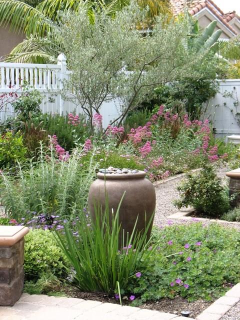75 beautiful backyard landscaping