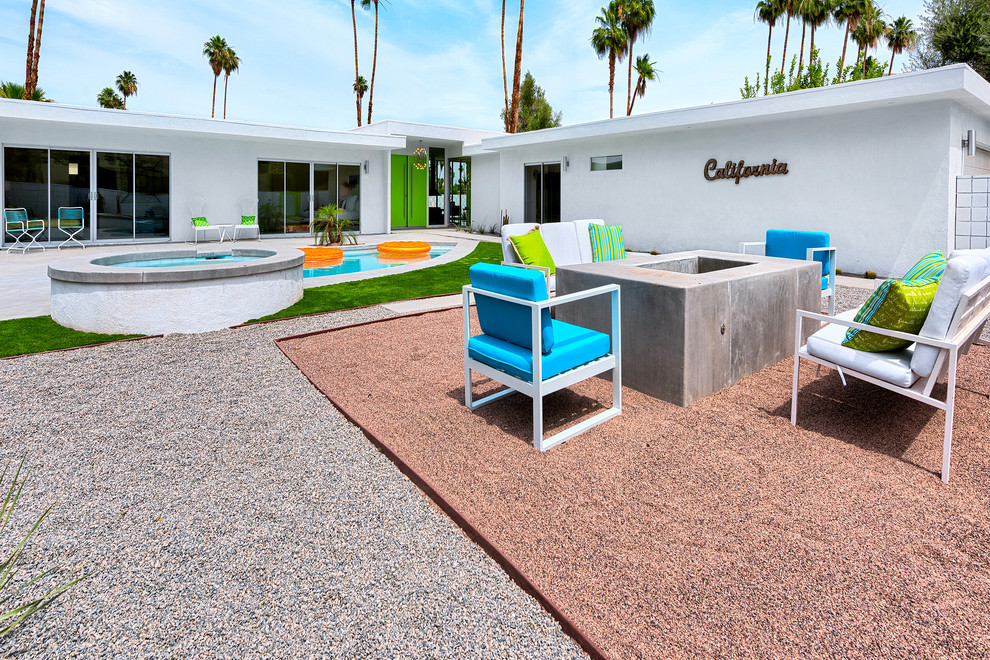palm springs outdoor oasis midcentury