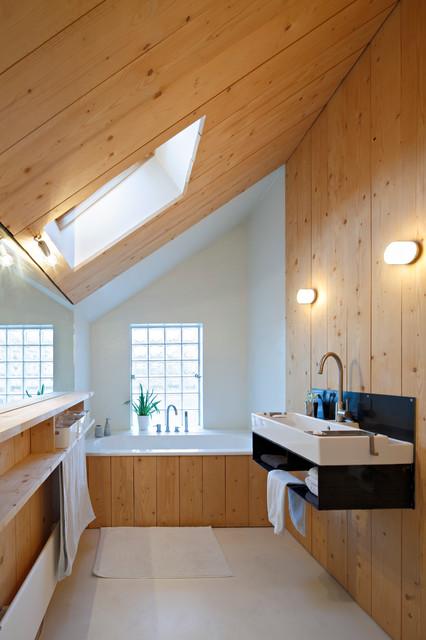 10 salles de bains sous pente reussies