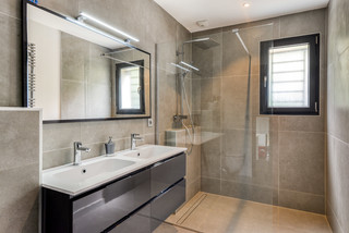 Salle De Bain Complete Modern Badezimmer Toulouse Von Demoly Mosaik Carrelage
