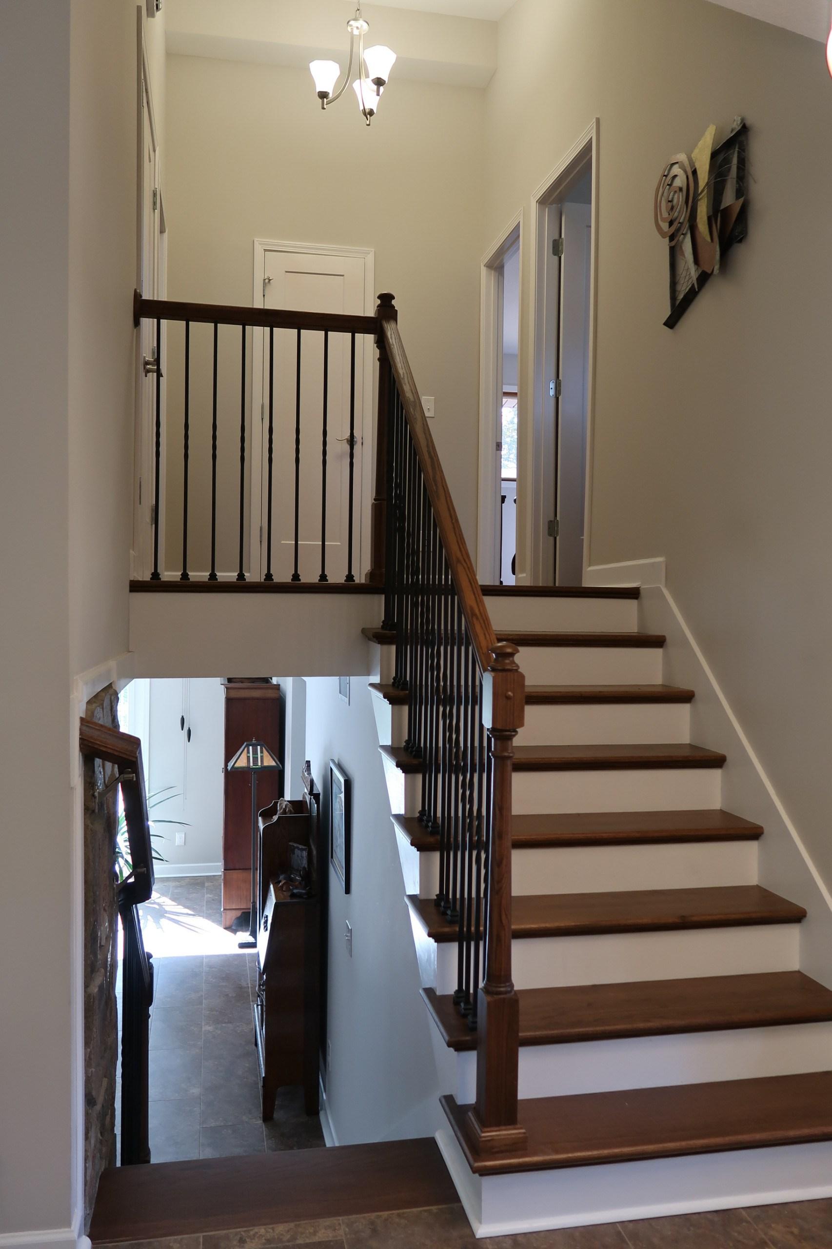 Split Level Traditional Staircase Photos Houzz | Split Level Stair Railing | Wrought Iron | Julia | Modern | Easy Diy | Fancy