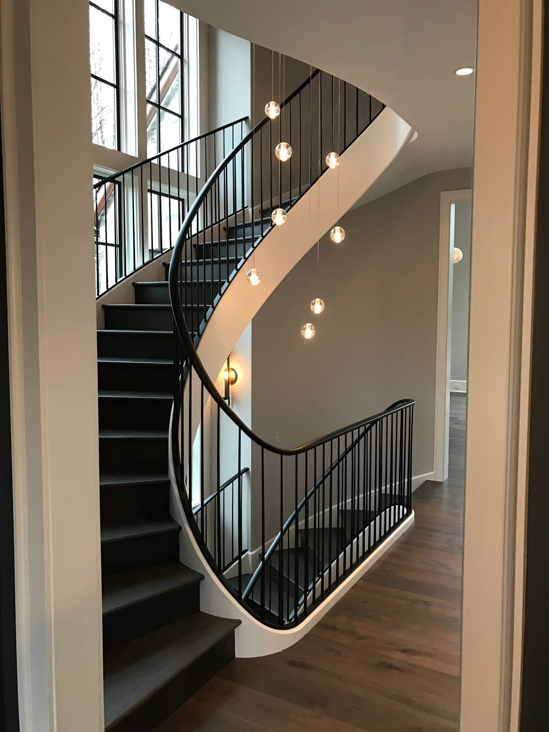 75 Beautiful Painted Spiral Staircase Pictures Ideas November 2020 Houzz