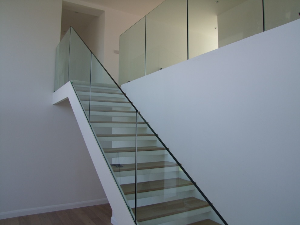 Steel Staircase With Frameless Glass Balustrade Modern | Cost Of Glass Balustrade Stairs | Wood | Side Clamp | Steel Bracket | Spiral Staircase | Stainless Steel