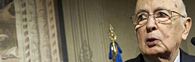 """L'anno nero di Napolitano. Dalla (sfumata) legge elettorale al """"boomerang"""" Monti"""