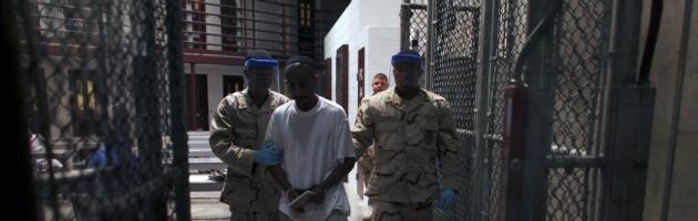 Guantanamo, raid contro i detenuti in sciopero della fame. Almeno un ferito