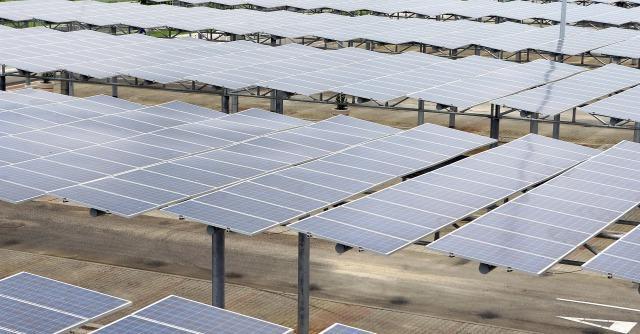 Incassa milioni di incentivi e chiude: il pacco fotovoltaico dell'oligarca russo