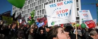 Trattato Usa-Ue sul commercio, le trattative si fanno al buio e la democrazia è ridotta a zerbino