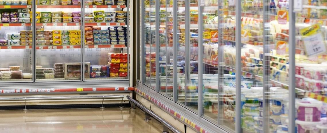 Il frigorifero che spia i clienti del supermercato, la nuova era del marketing invasivo