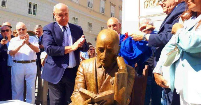 Trieste, inaugurazione statua di D'Annunzio nel centenario dell'occupazione di Fiume è un caso: Croazia protesta con l'ambasciatore